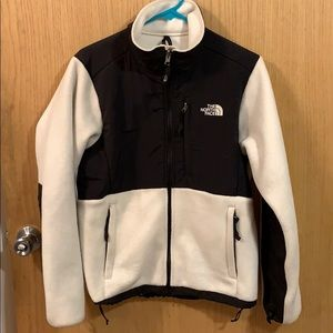 Women's white and black North face fleece